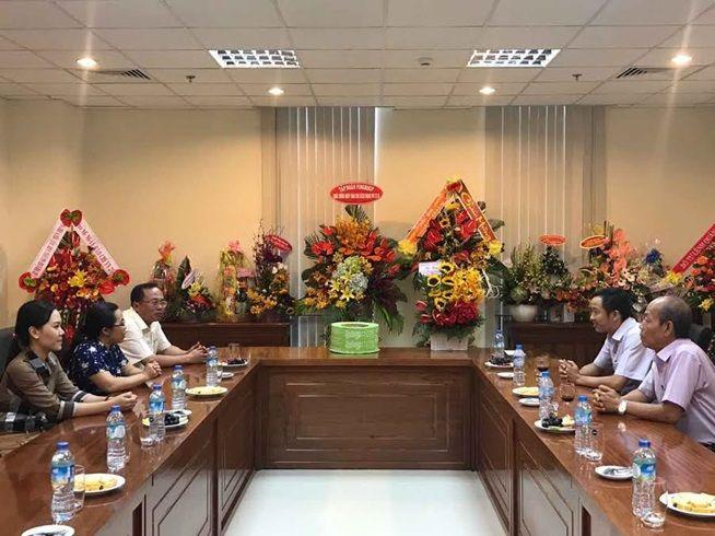 Quận Hải Châu đến thăm hỏi cơ quan báo chí